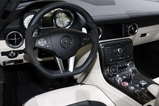 фото нового автомобиля Mercedes-Benz